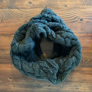 GAP Infinity Scarf in Forest Green